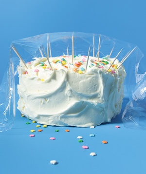 Toothpick used to protect cake