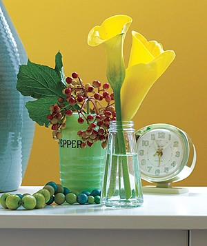Turn Salt and Pepper Shakers Into Bud Vases