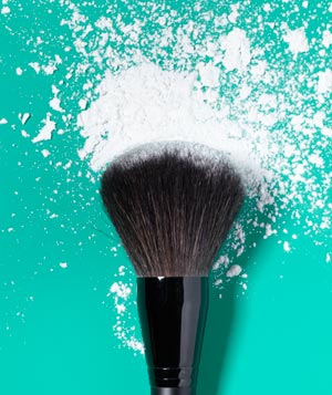 Cornstarch as Makeup Finish