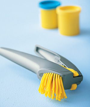 Garlic Press as Modeling Dough Tool