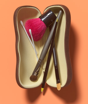 Eyeglasses Case as Makeup Brush Holder