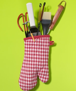 Oven Mitt as BBQ Utensil Holder