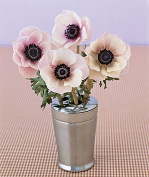 brush-holder-flowers