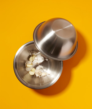 Bowl as Garlic Peel Remover