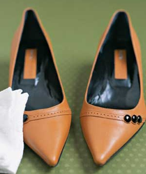 Dusting Cloths as Shoe Cleaners