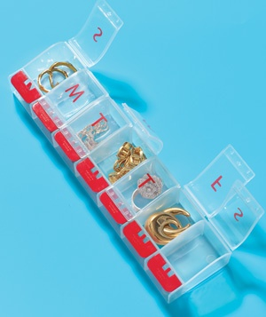 Vitamin Organizer as Travel Jewelry Box