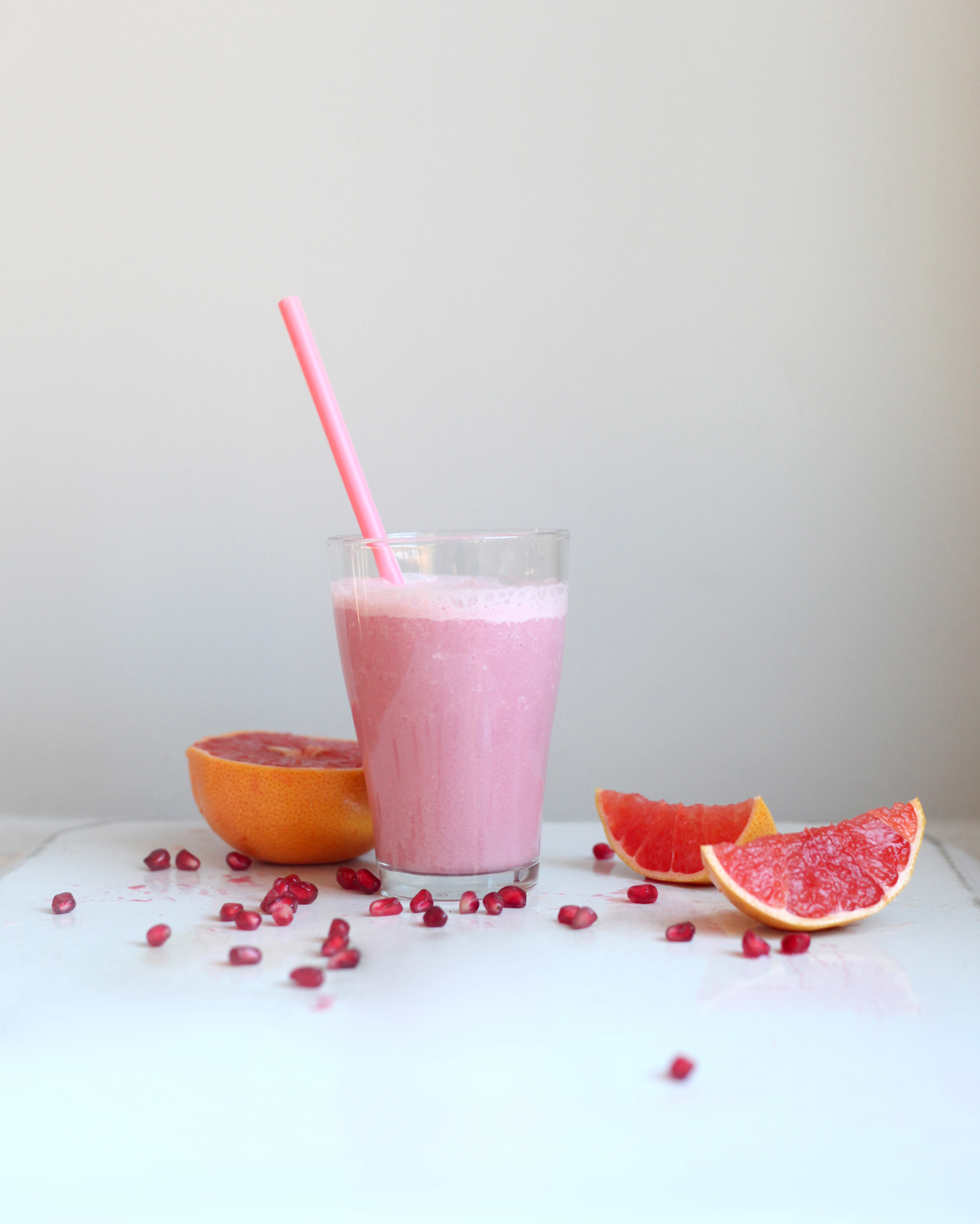 pomegranate-pink-grapefruit-beet-smoothie