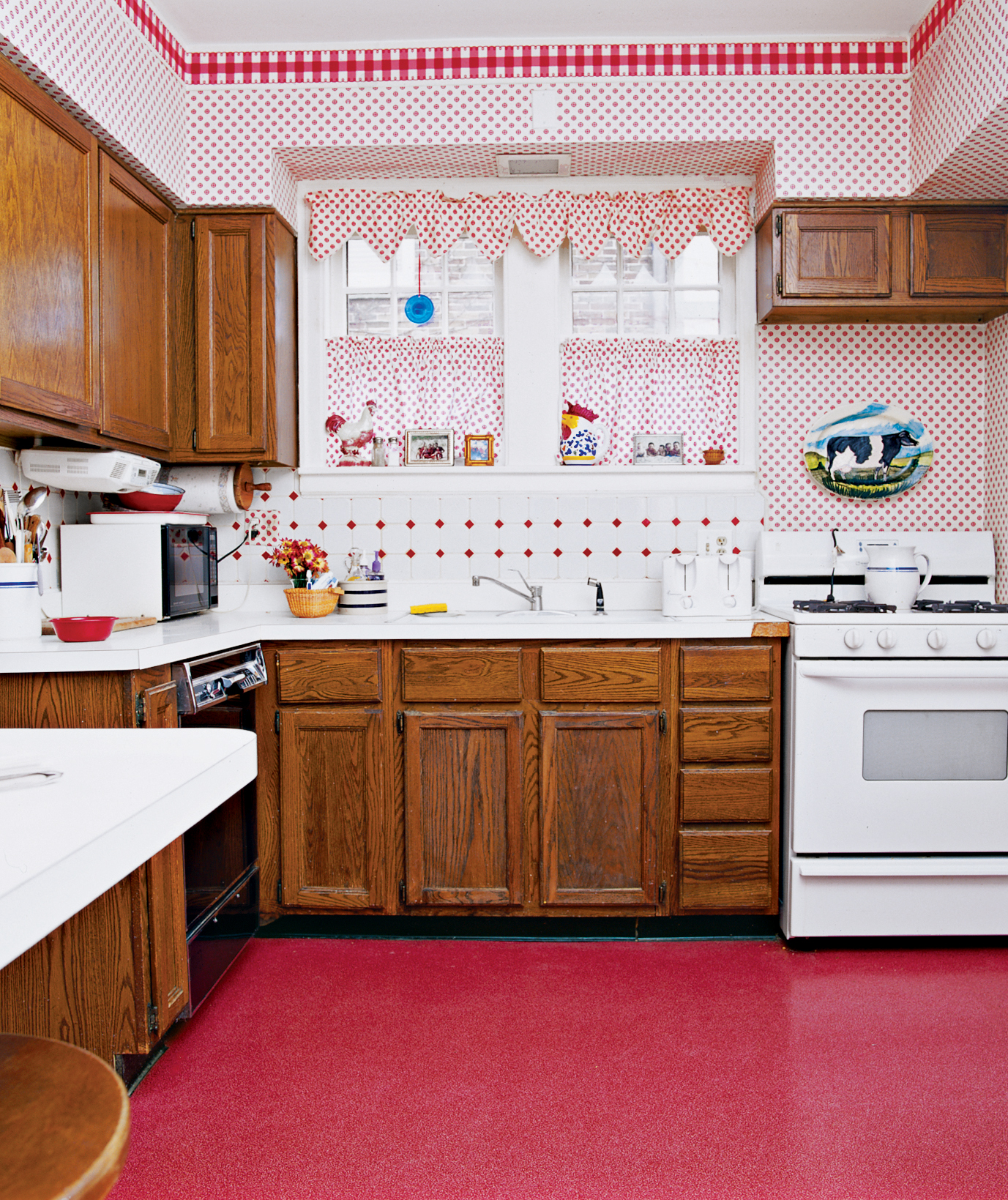 Messy Kitchen Counter: 16 Before-and-After Room Makeovers