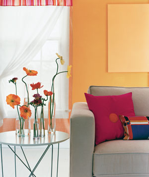 20 low cost decorating ideas real simple - How can we decorate our living room ...