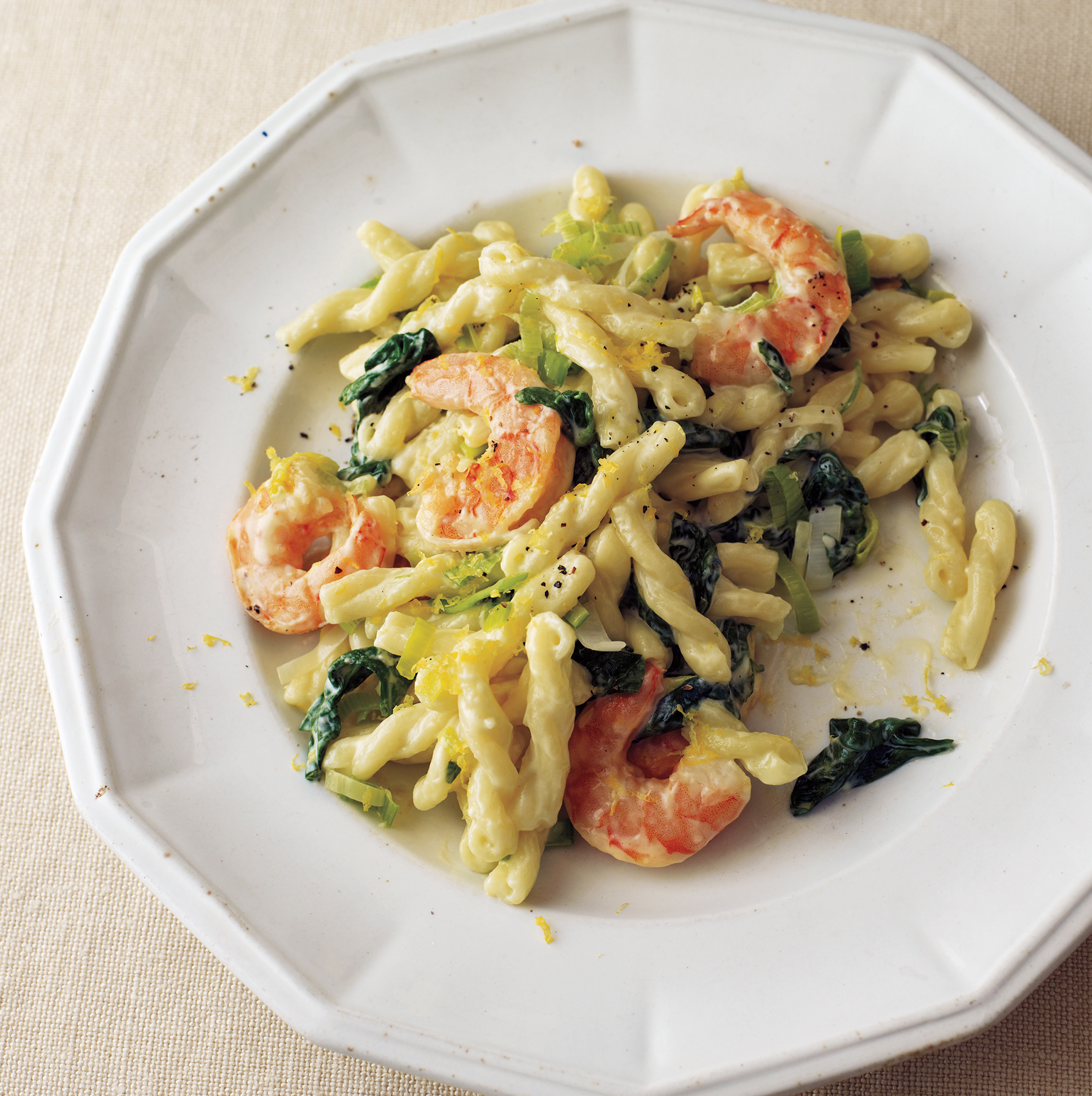 Great Shrimp, Leek, And Spinach Pasta