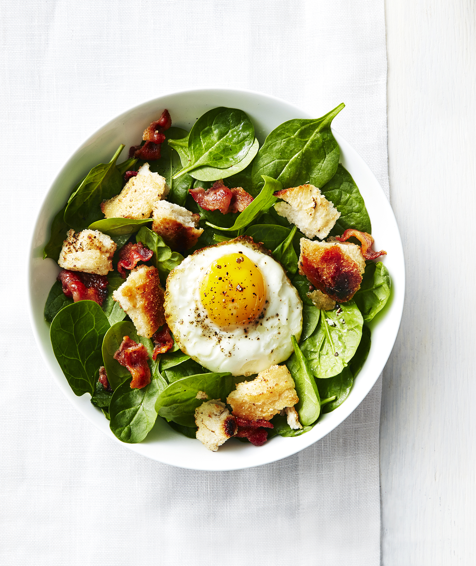 spinach-bacon-fried-egg-salad