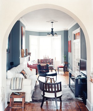 arch entrance to blue room - Living Room Dining Room