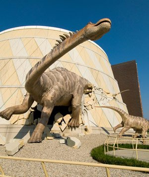 Dinosaurs outside The Children's Museum of Indianapolis