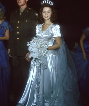Shirley Temple and John Agar on their wedding day