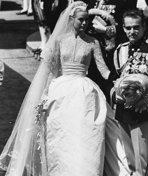 Grace Kelly in wedding dress