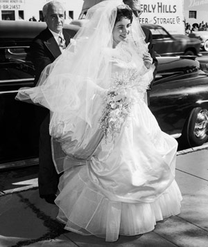 Actress Elizabeth Taylor in wedding dress