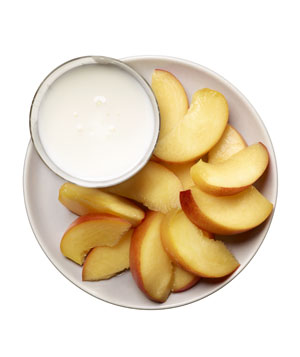 1 cup low-fat kefir and 1 peach