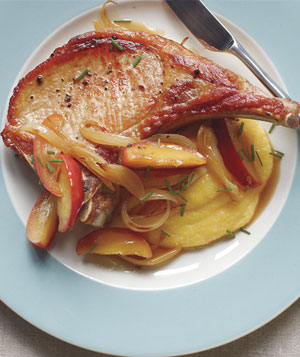 Pork Chops With Sautéed Apples and Polenta