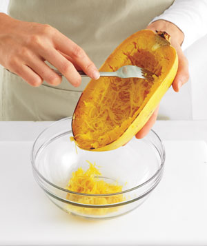 How to scoop out a spaghetti squash