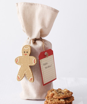 Cookies in muslin wine bags
