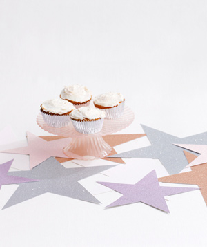 Cupcakes with paper stars