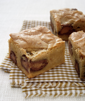 Blondies With Mini Peanut Butter Cups