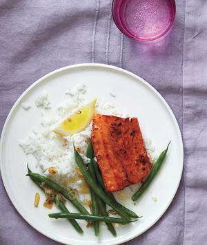 Brown Sugar-Glazed Salmon With Green Beans and Shallots