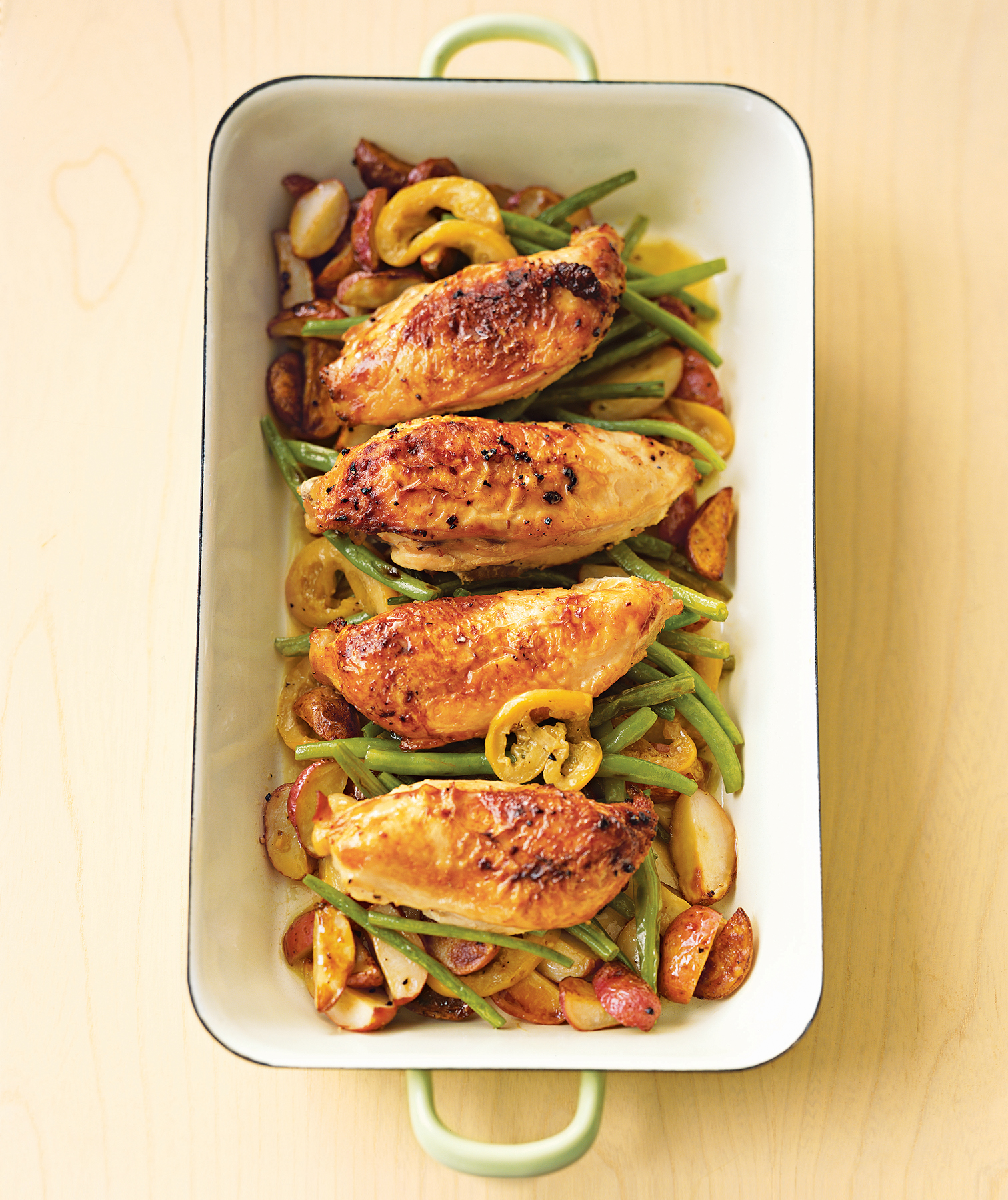Pan roasted chicken with lemon garlic green beans recipe real simple forumfinder Images