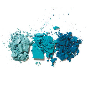 3 tones of blue eyeshadow powder
