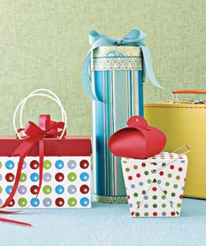 In a hurry? Decorative gift boxes require no wrapping.