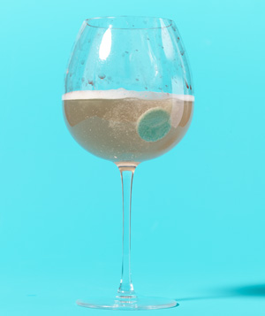 Denture Tablet as Wineglass Cleaner