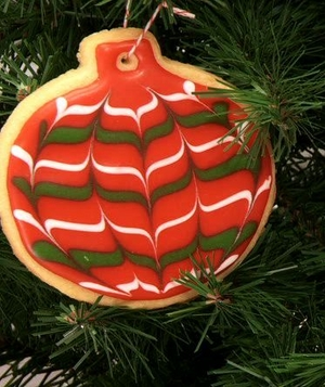How to Decorate Marbleized Ornament and Candy Cane Cookies, Step 9