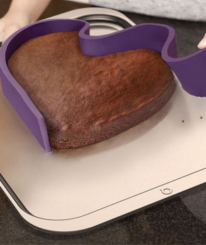 Ribbon Adjustable Baking Pan From Quirky