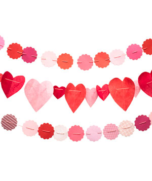 Heart shaped paper garland strands