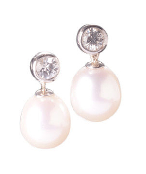 Faye Kim Designs Bezel Earrings With Pearls