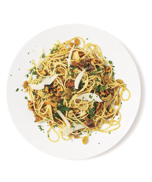Pasta With Anchovies, Walnuts, and Raisins