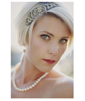 Bride with short blonde hair