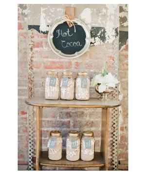 Jars of hot cocoa for wedding favors