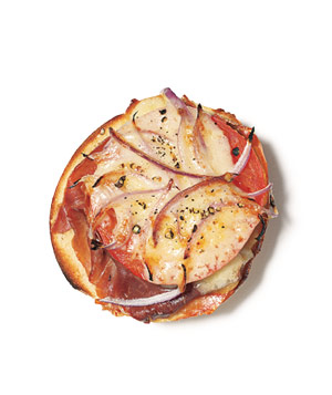 Bagel With Prosciutto, Tomato, and Gruyère