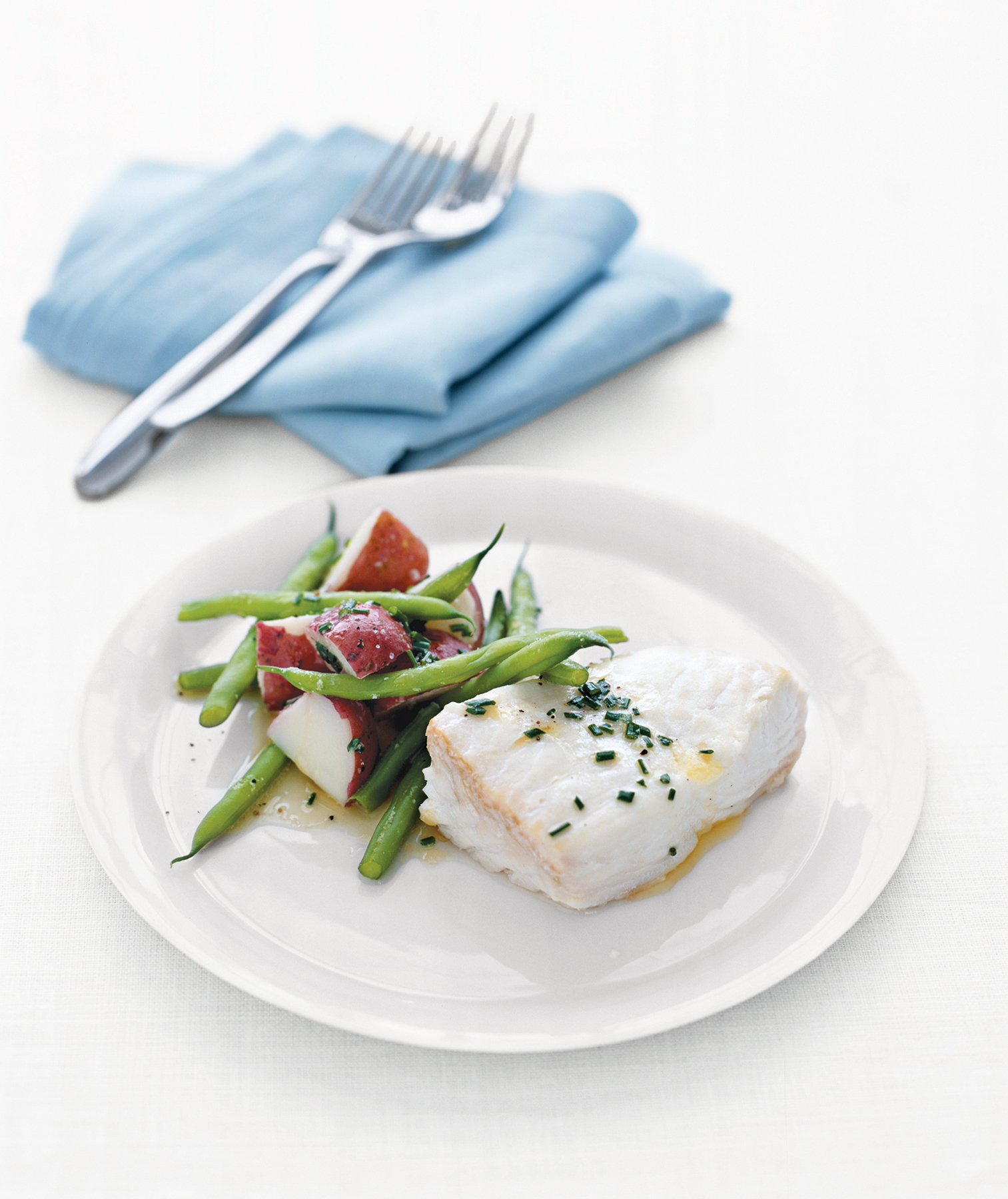 poached-halibut-green-beans-red-potatoes