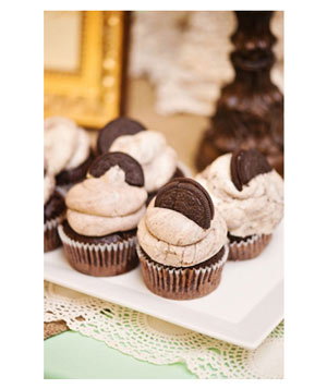 Chocolate cupcakes with Oreo cookies on top