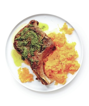 Seared Pork Chops and Pesto With Mashed Squash