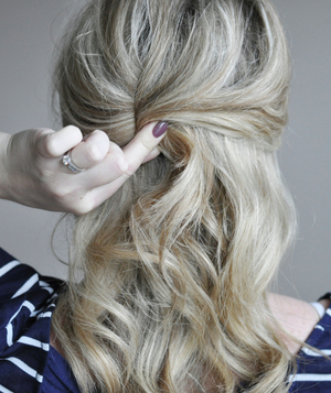 Cute ponytail hairstyle step 3