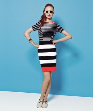 Spring outfit with sunglasses and stripes
