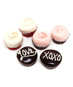 Magnolia Bakery Valentine's Day Cupcake Combo