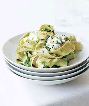 Pasta With Smashed Peas