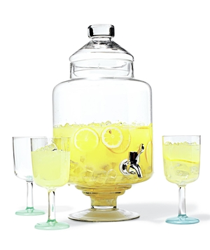 Lemonade dispenser with glasses