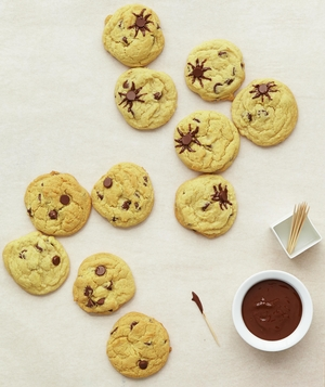 Spider Cookies With Chocolate Chips