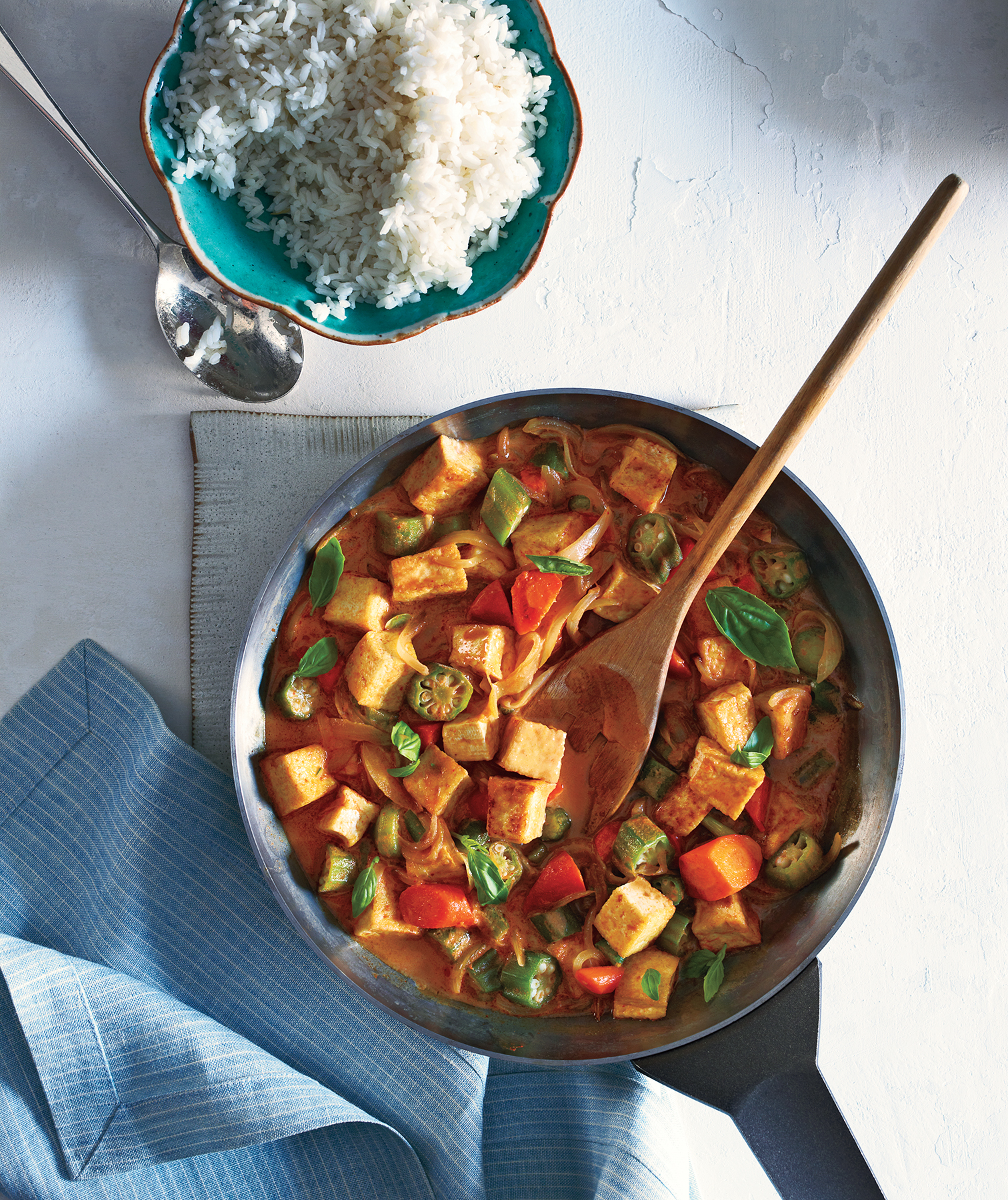 31 vegetarian recipes so satisfying youll want to go meatless for tofu and vegetable curry with rice forumfinder Choice Image
