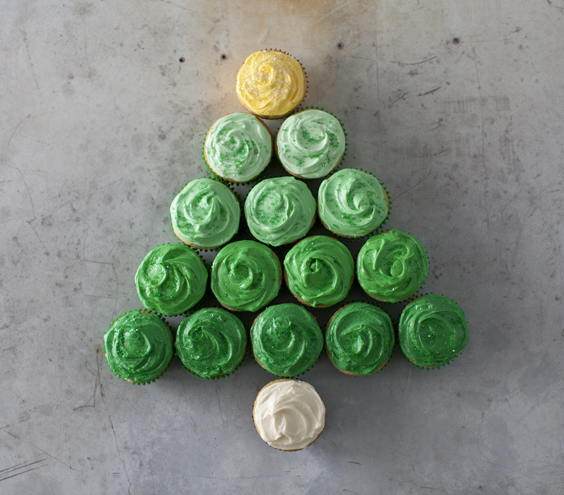 Ombre Christmas Tree Cupcakes